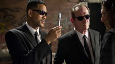 Streaming Releases: Easy A, The White Tiger en Men in Black